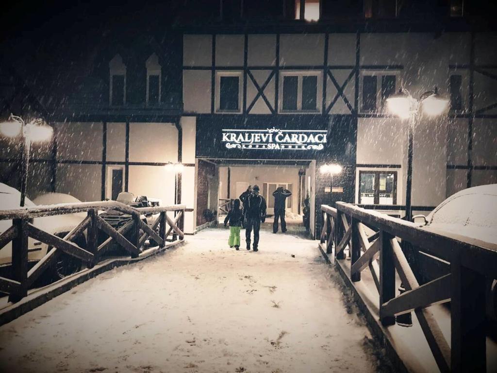 Hotel Kraljevi Čardaci 4* – Копаоник
