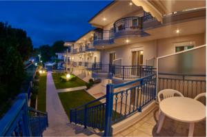 Aparthotel Asteras – Амудиа