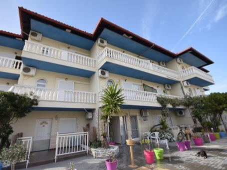 Villa Ana Sakis – Торони
