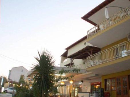 Villa Flora – Торони