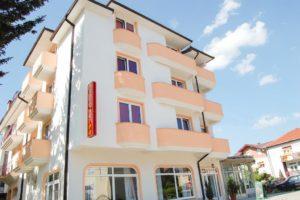 Hotel Montenegro 2* – Струга