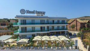 Hotel Luxury 4* – Ксамил
