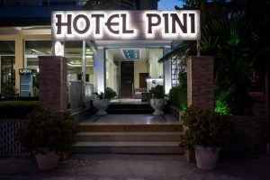 Hotel Pini 3* – Саранда